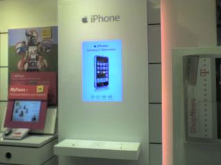iPhone-Aufsteller im T-Punkt