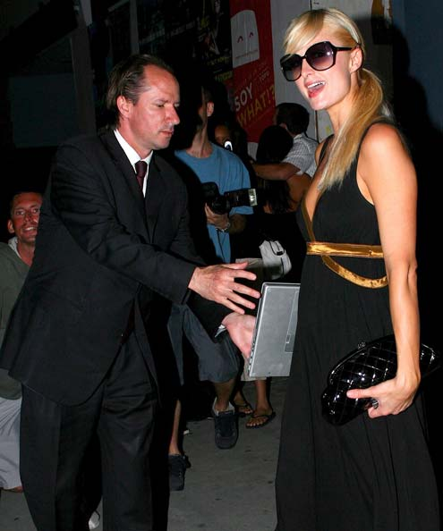 Paris Hilton MBP